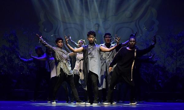 국악연주단 민들레는 오는 31일 중구 문화의전당 함월홀에서 오후 5시, 7시 30분 두 차례 뮤지컬 '우시산 도깨비'를 선보인다. 사진은 국악연주단 민들레의 지난 공연 장면.